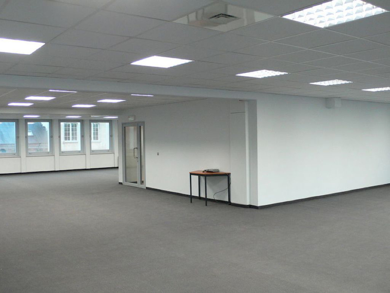 empty_office