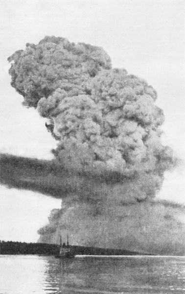 Halifax_Explosion_blast_cloud_restored