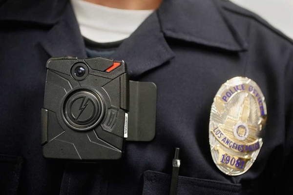 A Los Angeles Police officer wearing an on-body camera. Photo: Bloomberg