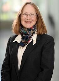 Headshot of Lynne Robinson