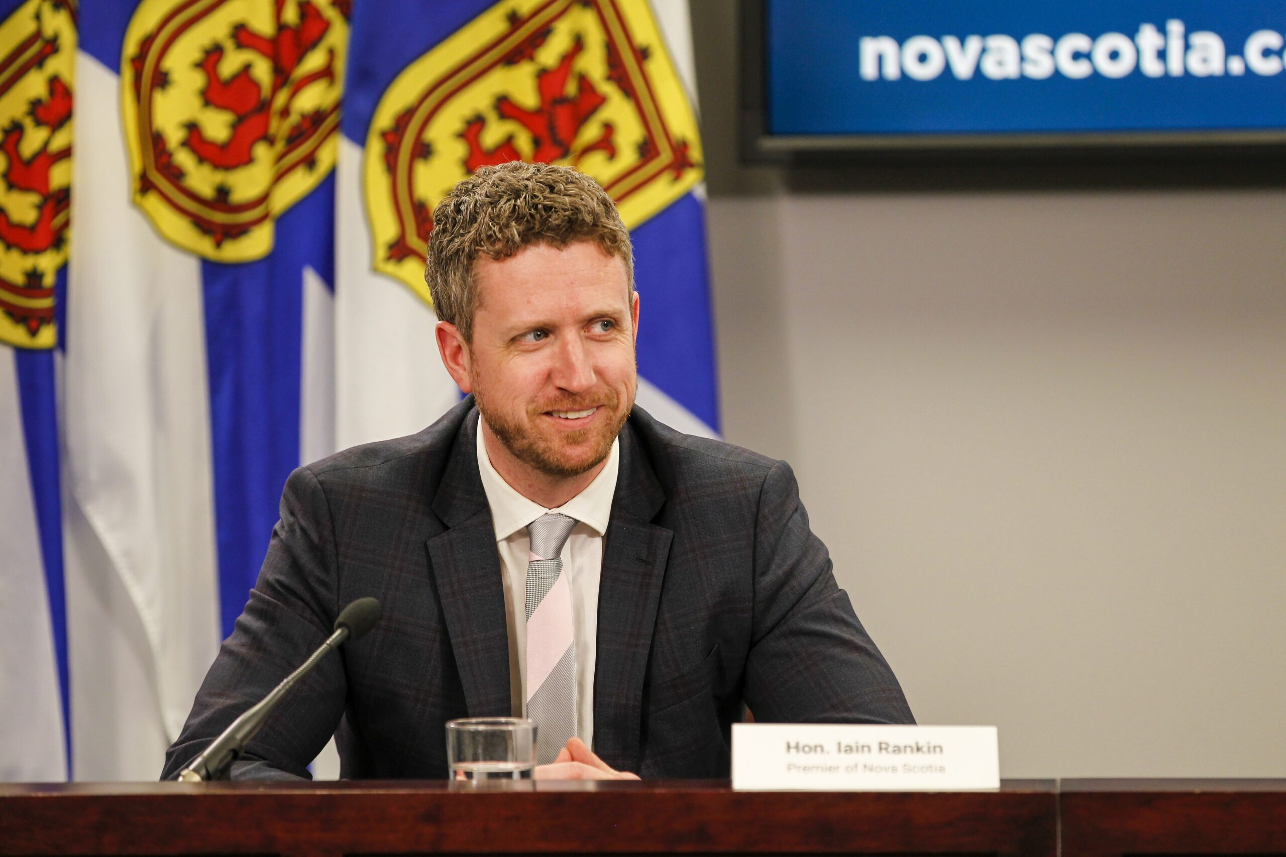 1 more COVID death in Nova Scotia and 6 new cases; Rankin rejects redeploying vaccine to provinces with out of control outbreaks